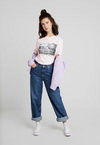 Merchcode - LADIES LOVE NATURE TEE - Camiseta estampada - pink marshmallow - 1