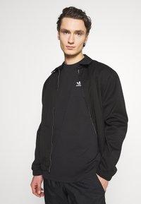 adidas Originals - TREFOIL TEE - Print T-shirt - black/white - 3