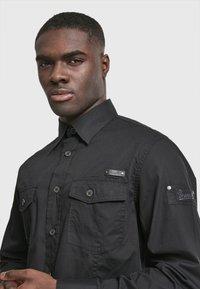 Brandit - SLIM FIT - Shirt - black - 2