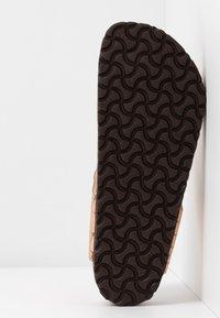 Birkenstock - GIZEH - T-bar sandals - gator gleam copper - 6