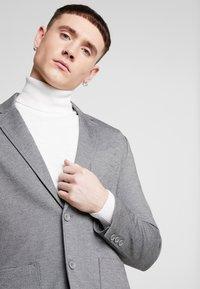 Only & Sons - ONSMARK - Blazer jacket - medium grey melange - 4