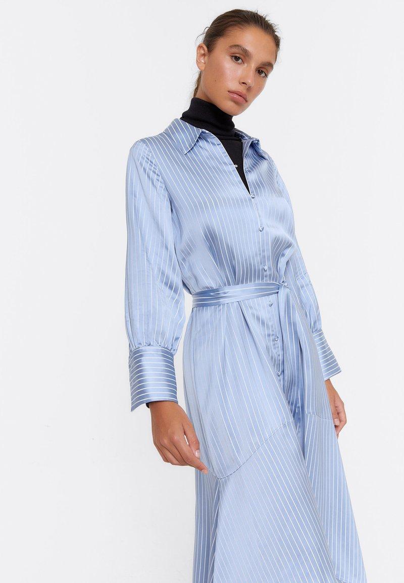 Uterqüe - Shirt dress - blue