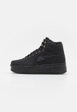 FALLOU - Sportschoenen - black
