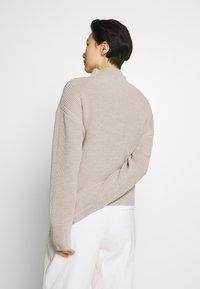 Filippa K - WILLOW - Svetr - grey/beige - 2