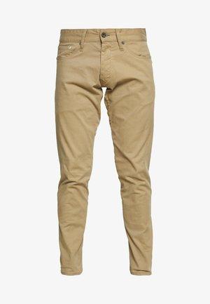 KINETIC - Trousers - khaki