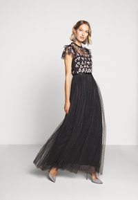 Needle & Thread - ROCOCO BODICE MAXI DRESS EXCLUSIVE - Společenské šaty - champagne/black - 1