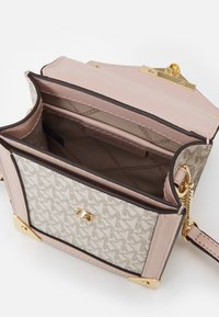 MICHAEL Michael Kors - GRACE XBODY - Across body bag - vanille/soft pink - 2