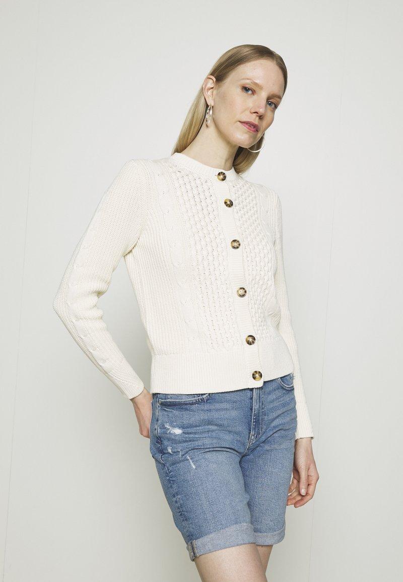 Marks & Spencer London - CUTE CABLE CARDI - Strikjakke /Cardigans - beige