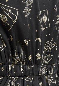 Simply Be - AMELIA TWIST FRONT SKATER DRESS - Denní šaty - black - 2
