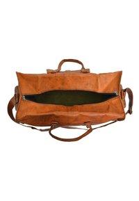Gusti Leder - Weekend bag - brown - 5