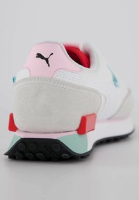 Puma - FUTURE RIDER NEON PLAY - Trainers - weiss / rot - 2