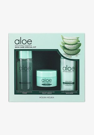 ALOE SOOTHING ESSENCE SKIN CARE SPECIAL KIT - Hudplejesæt - -