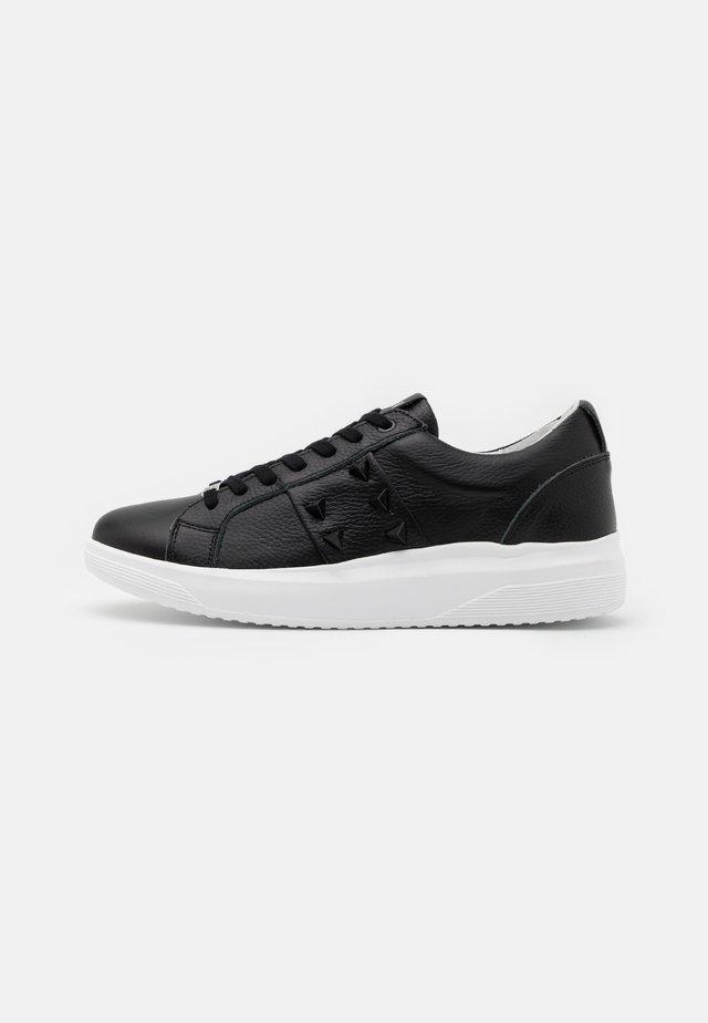 PIETER - Sneakers laag - black