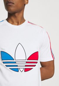 adidas Originals - TRICOL TEE UNISEX - T-shirts print - white - 4