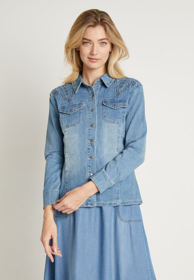 YILLA - Camisa - blue denim