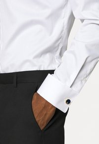 Tommy Hilfiger - DRESSED UP - Spinka do mankietów - gold-coloured - 1