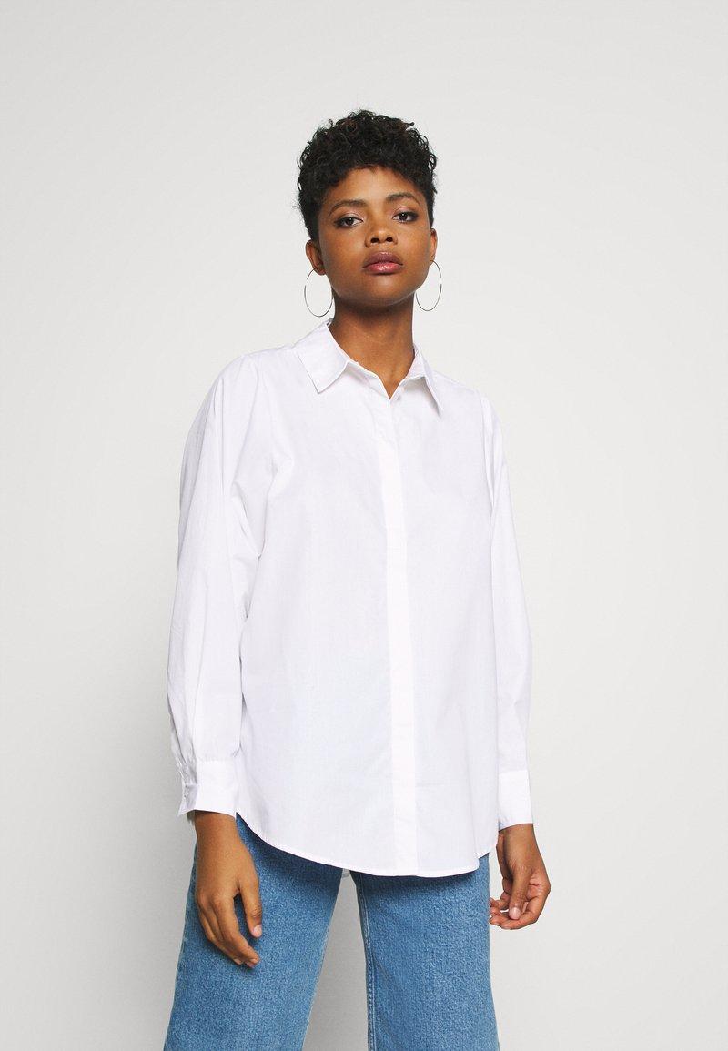 Vero Moda - VMMIE SHIRT  - Button-down blouse - bright white