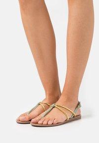 ONLY SHOES - ONLMAYA BRAID  - Sandály s odděleným palcem - yellow - 0