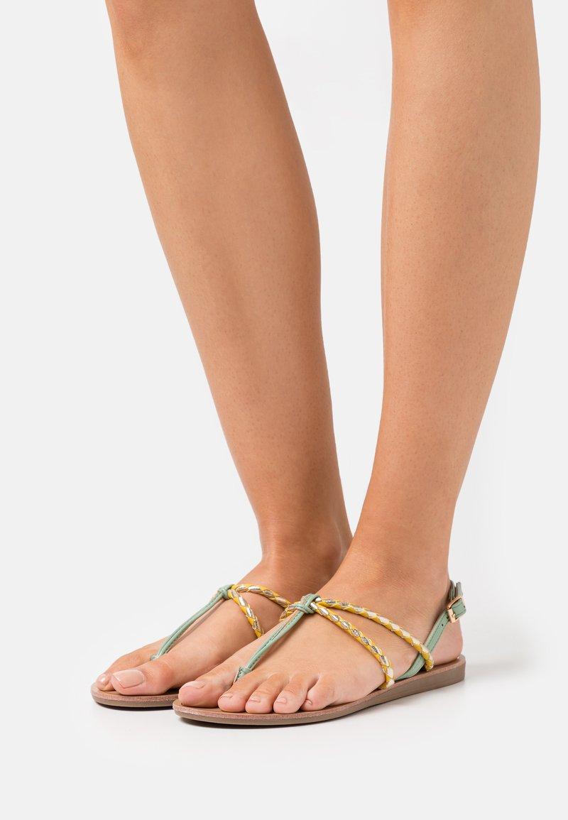 ONLY SHOES - ONLMAYA BRAID  - Sandály s odděleným palcem - yellow