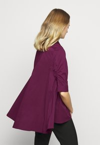 Steffen Schraut - BENITA FASHIONABLE BLOUSE - Button-down blouse - wild berry - 2