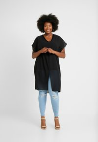 Simply Be - LONGLINE SHEER OVERLAY BLOUSE - Blusa - black - 1