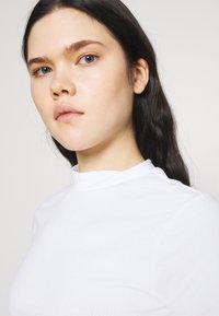 Monki - T-shirt basique - white - 3