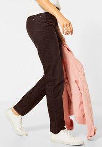 Cecil - Slim fit jeans - braun - 2