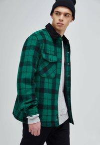 PULL&BEAR - Shirt - mottled green - 3