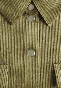 Vero Moda - VMYVONNE - Skjorte - ivy green - 2