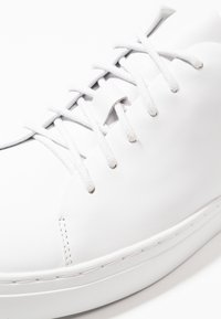 Tiger of Sweden - BRUKARE - Zapatillas - white - 6