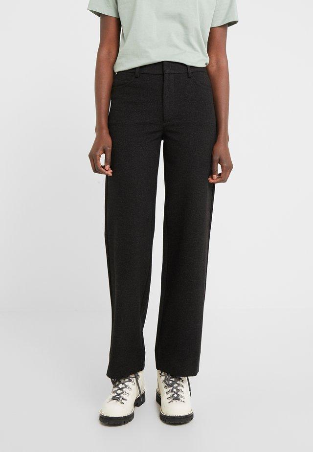 SKIFER - Spodnie materiałowe - black