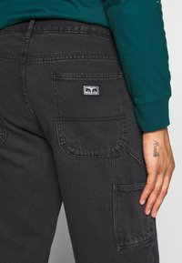 Obey Clothing - HARD WORK CARPENTER - Džíny Relaxed Fit - dusty black - 5