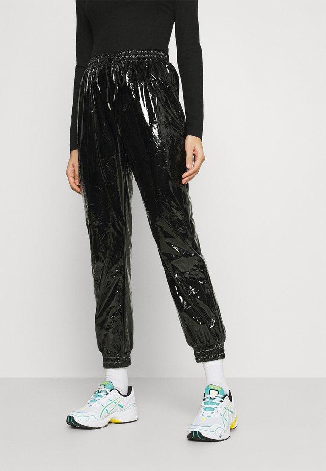 VINYL PANTS - Pantaloni - blac