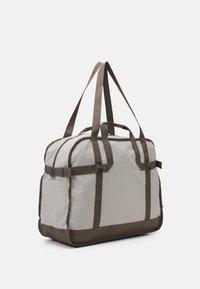 Reebok Classic - CLASSIC TAILORED PACKABLE GRIP SEASONAL UNISEX - Sportovní taška - sand stone - 1
