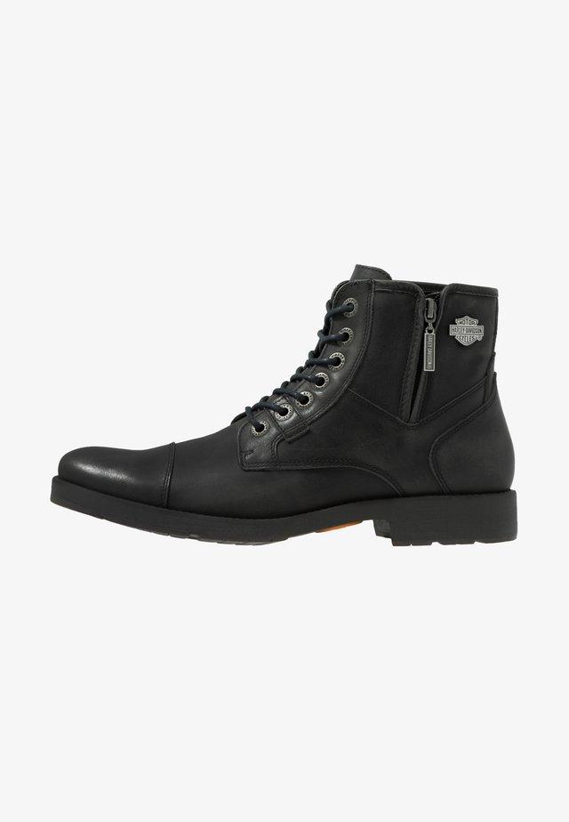 MAINE - Cowboy/biker ankle boot - black