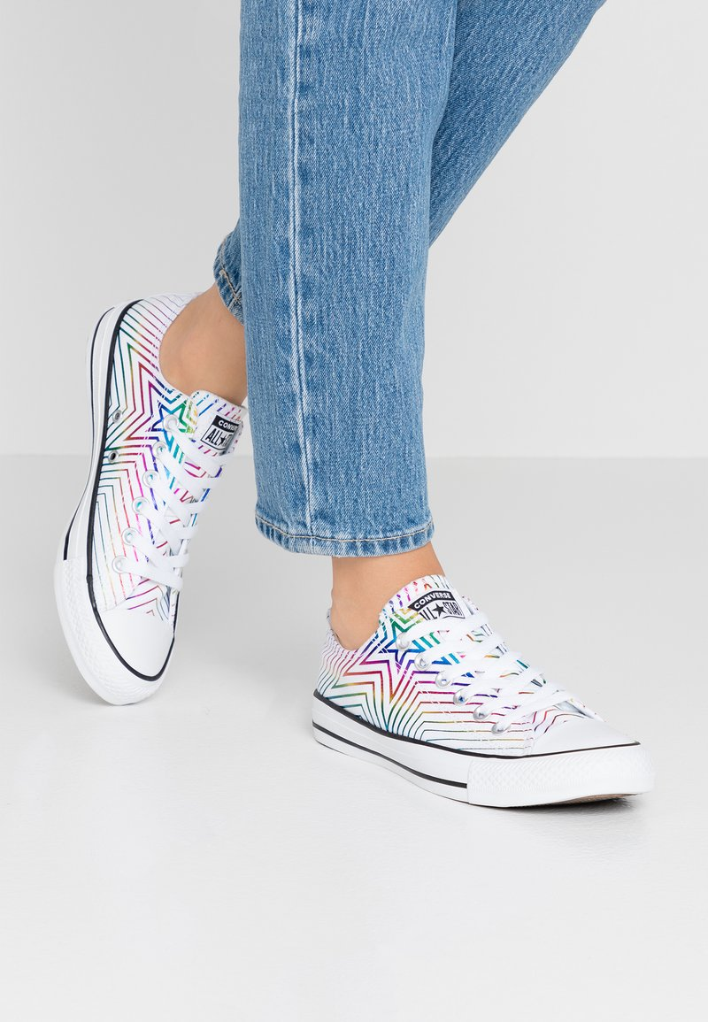 Converse - CHUCK TAYLOR ALL STAR ALL OF THE STARS - Trainers - white/black