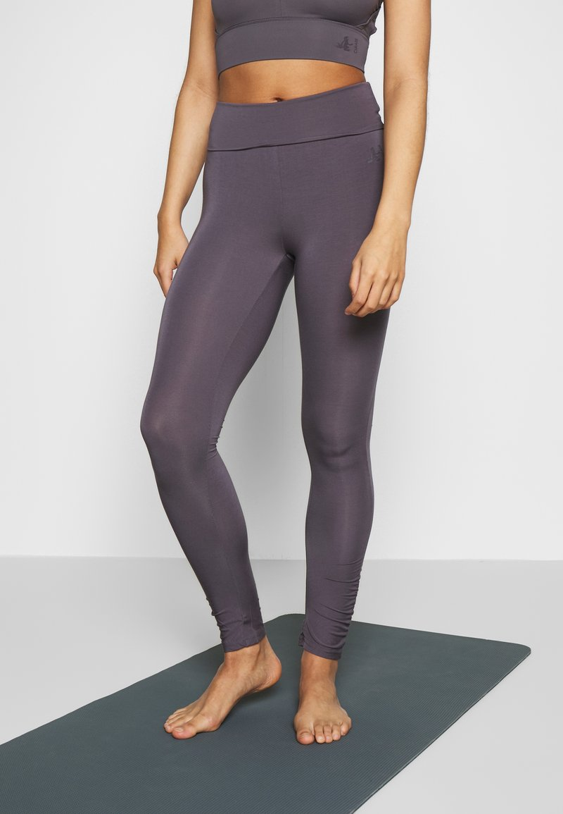 Curare Yogawear - RUFFLED LEGGINGS - Tights - greyberry