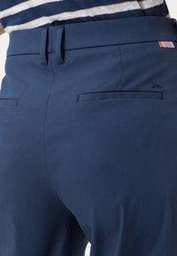 BRAX - STYLE MAINE  - Trousers - indigo - 4
