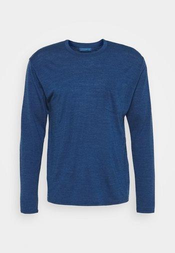DYE DRAYDEN POCK CREW - Long sleeved top - true indigo