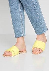 Public Desire - LANI - Pantofle - yellow - 0
