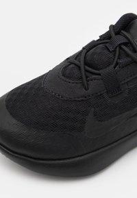 Nike Sportswear - REPOSTO UNISEX - Baskets basses - black - 5