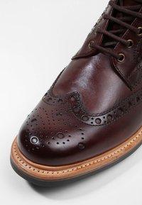 Grenson - FRED - Botines con cordones - brown - 5