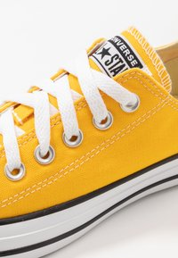 Converse - CHUCK TAYLOR ALL STAR - Trainers - lemon chrome - 5