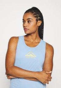 Nike Performance - CITY SLEEK TANK TRAIL - Camiseta de deporte - psychic blue/laser orange - 4