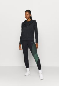 La Sportiva - SUPERSONIC PANT  - Leggings - black/grass green