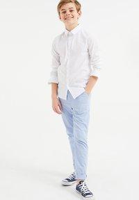 WE Fashion - CHINO SLIM FIT - Chino - pastel blue - 1