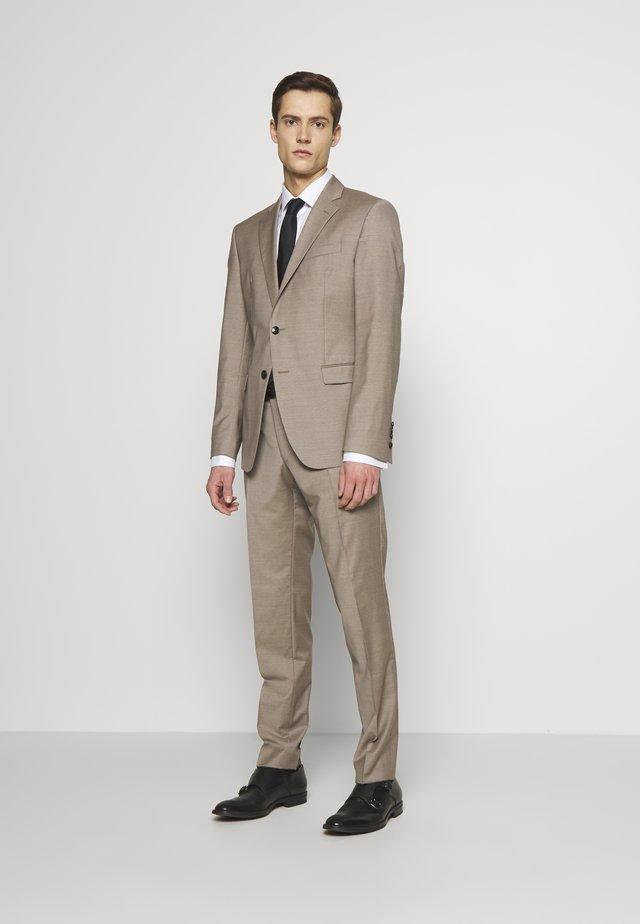 HERBY BLAIR - Suit - beige