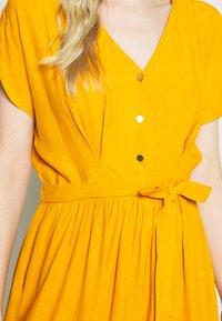 NAF NAF - LAFORTUNA - Day dress - moutarde - 5