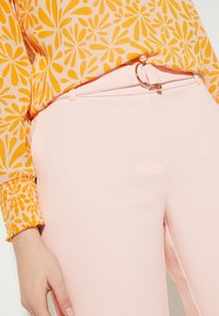 comma - Trousers - powder rose - 3