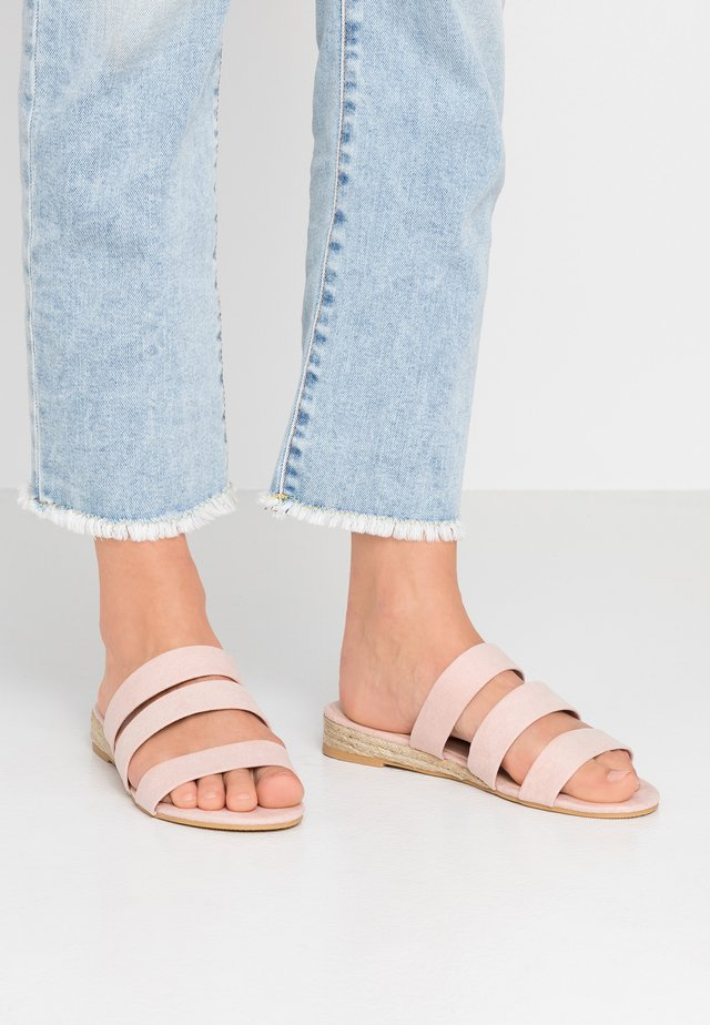 WIDE FIT FOREVER  - Mules - pink